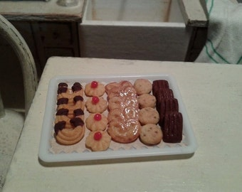 Miniature tray with pastries 1/12 scale