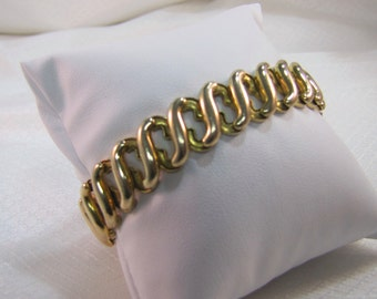 c1950's American Queen, Gold Plated Spandex Bracelet
