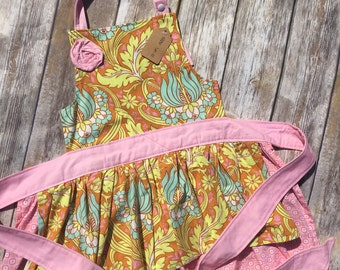 Girl Size 6-10 Apron in Tulips