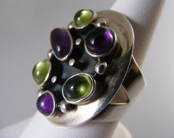 Vintage  Large Amethyst  and Peridot Sterling Silver Ring.....  Lot 4516