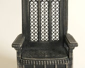 Throne 1:12 scale 'Queensize' (ready-assembled and antiqued black)