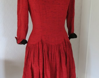 Red 40's dress with black lace