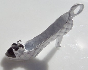 White & Black High Heel Charm, X8