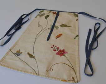 18th Century Women's Embroidered Silk Pocket
