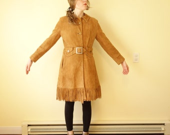 Vintage Cool 1970s  Fringed Mod Suede Leather Jacket Coat in Camel Tan Made in Canada Removable LIning