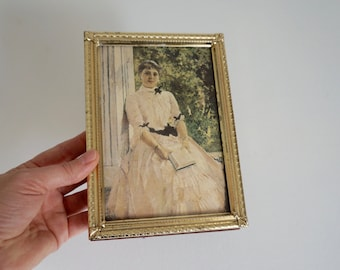 Vintage 5x7 Metal Picture Frame 5 x 7 - Gold Embossed Metal Picture Frame