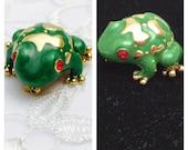 Vintage Frog Brooch, Green Enamel, Rhinestones Eyes, Gold tone, Animal Figural, Item No. B802