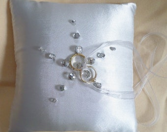 Platinum and Crystal Starburst Ring Pillow Silver Mirrored Glass