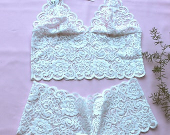 White Lace Lingerie Set /Soft Bra and Panties