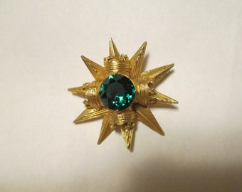 Vintage Goldtone STARBURST BROOCH/Pin With Emerald Green Stone signed by Benedikt NY