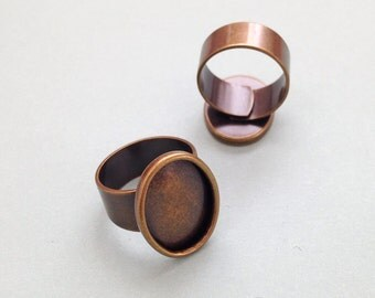 1 x Antique brass 18x13mm adjustable ring setting