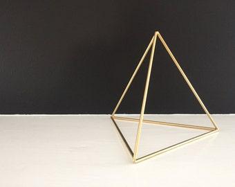 Pyramid  .  Minimalist Decor  .  Geometric