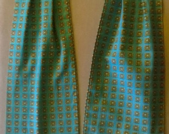 Vintage 1960's cotton cravat in blue