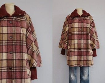 Vintage 60s Wool Swing Coat / 1960s Mod Berry Beige Plaid Wool Jacket with Sweater Knit Trim