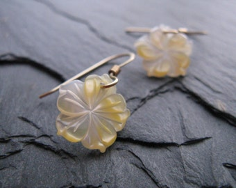 Petite, Carved Gold Lip Oyster, Yellow Mother of Pearl Shell, Hibiscus Blossom, Tropical Hawaiian Flowers, 14kt Gold Filled Earrings