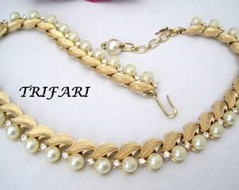 Trifari Faux Pearl Necklace Rhinestone Wedding Vintage 70's