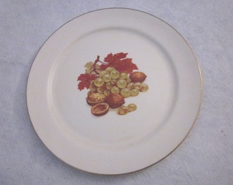 Grapes and Walnuts Pickard plate
