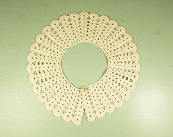 Young Girl Lace Collar - Vintage Crochet 2.5 Inch Wide Ecru Crochet