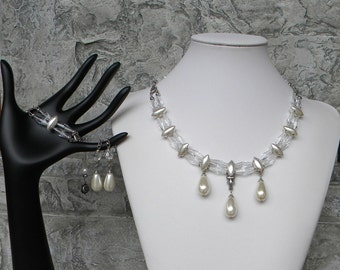 Holiday sale....Pearly Ivory Drops Set