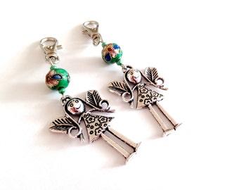 Guardian Angel keychain. Cloisonne keychain. Christmas angel. Christmas angel keychain. Green keychain. Linnepin010