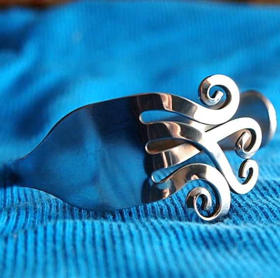 best friend gift bracelet, fork bracelet,bridal gift fork,bridal gift bracelet,good luck bracelet,jewelry for foodie,gift love bracelet,cuff