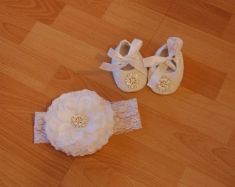 White Infant/Baby Crib Shoes and Matching Headband Set for Christenings, Baptisms, Weddings and other special occasions..