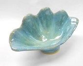 Pottery Shell Dish, Ceramic Shell Dish, Clam Shell Bowl, Clam Shell Dish, Sea Shell Bowl, Sea Shell Serving Bowl, Medium in Blue and Green