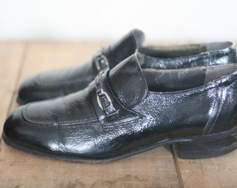 vintage black patent leather mens slip on shoes by hanover size 9.5D.