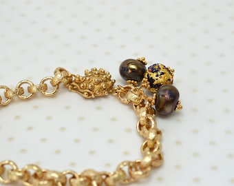 Gold chain bracelet Handcrafted art glass and Murano Venetian charm bracelet Everyday business casual tailored office jewelry