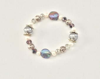 Pearl and shell stretch bracelet