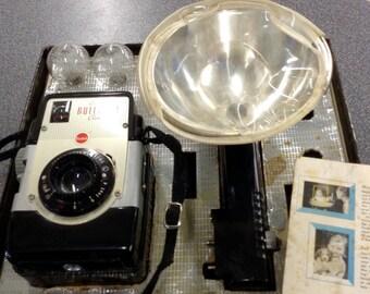 Vintage Brownie Bulls-Eye flash camera