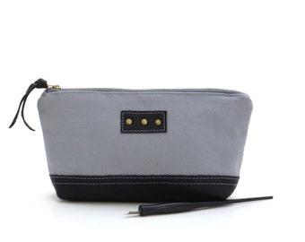 Gray canvas zipper pouch,  gray pencil case, gray artists bag, gray canvas zipper bag, small zipper pouch, black leather pouch