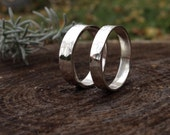Sterling Silver Hammered Band. 4mm or 5mm Wide Silver Ring. Unisex Hammered Ring. Modern Silver Ring. Sizes 4.5-14