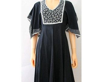 1970 Boho Dress black cotton  floral chest small