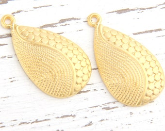 Matte Gold Teardrop Spotted Pendants, Patterned Teardrop Zamac Pendants, 2 pcs // GP-440
