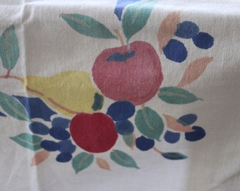 1940's tablecloth, Vintage tablecloth, Vintage Kitchen tablecloth, Vintage cherry tablecloth, Vintage kitchen design Home and Living, Linens