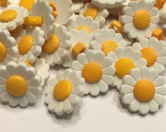 10 acrylic daisy buttons, 15 mm (B10)