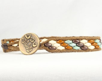 Super Duo beaded bracelet, Stripes design, Antiqued gold button, CarolMade Sw84