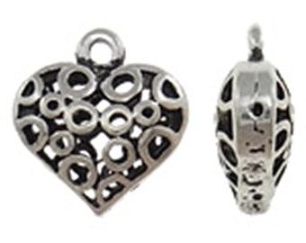 4pc 21mm antique silver finish  hollow heart pendants-8548T