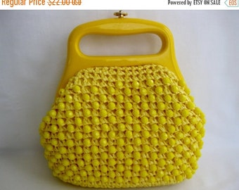 ON SALE vintage. PURSE. raffia. Yellow. small. Beaded. 1970s.