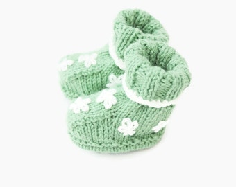 handmade baby boots | newborn boots | green baby shoes | baby girl booties