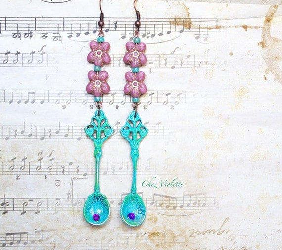 green patina spoon earrings dangle , flower bead earrings , verdigris cooper earring , Baroque jewelry , long dangle earrings
