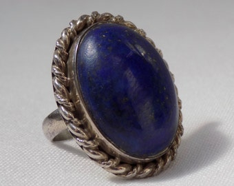 SALE - Large Blue Natural Lapis Lazuli Oval Solitaire Royal Blue Vintage Ring Mid Century Statement Estate jewlery Fashion Boho Chic