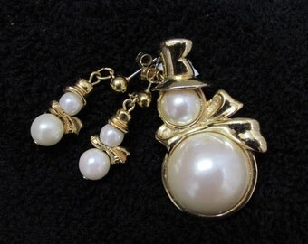 vintage 80s MARVELLA SNOWMAN Pearl Pin and pierced Earrings jewelry set WINTER Christmas Snowmen Jd2-147