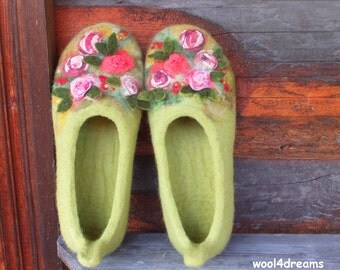 Felted slippers, woman house shoes, green, ROSE GARDEN, natural wool, Christmas gift