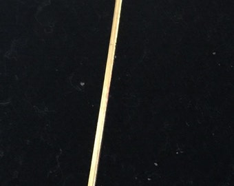 Gold leaf stickpin