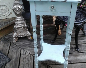baby blue cottage chic table