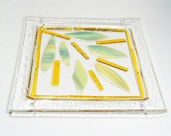 Fused glass platter. Fused glass plate Food safe and dishwasher safe. Glass platter abstract leaves design. Fused glass challah tray