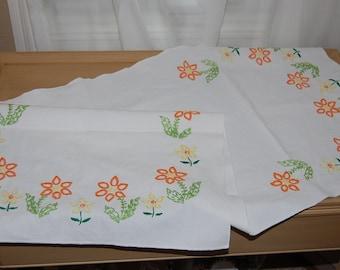 Table runner, linen, white, embroidery, flower, yellow, orange