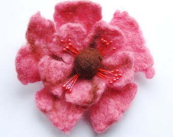 Pink flower brooch pin, felted flower pin, Valentine gift, flower pin brooch, corsage, gifts for her, brooch bouquet, poppy brooch